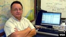 El periodista Emilio Palacio, residente en Miami, consideró como un triunfo la suspensión temporal de la sentencia en su contra.