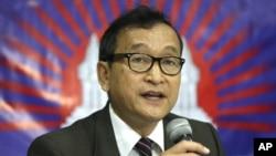 Lãnh tụ đối lập lưu vong Sam Rainsy.