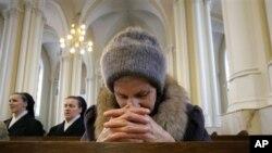 В Кафедральном Соборе Непорочного Зачатия Пресвятой Девы Марии в Москве (архивное фото)