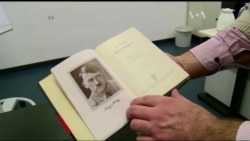 Ось чому книгу Гітлера знову продаватимуть у Німеччині. Відео