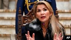 La présidente par intérim de la Bolivie, Jeanine Anez, lors d'une conférence de presse, à La Paz, le 15 novembre 2019.