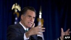 Kandidat za predsedničku nominaciju Republikanske partije, Mit Romni., dobio je podršku Džordža Buša starijeg, Džeba Buša i Marka Rubia.