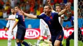 Hollanda mund Spanjën 5-1