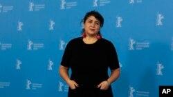 خانم مرتضایی، ۵۱ ساله، متولد آلمان است.