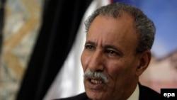 Brahim Ghali, ambassadeur du Sahara occidental parle lors d'une conférence de presse à Alger, en Algérie, 26 octobre 2009. epa/ MOHAMED Messara