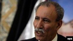 Brahim Ghali, ambassadeur du Sahara occidental parle lors d'une conférence de presse à Alger, en Algérie, 26 octobre 2009. (epa/ MOHAMED Messara)