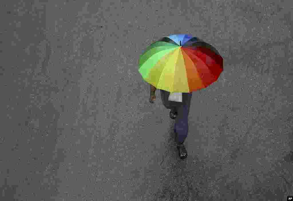 بخش هایی از هند از جمله حیدرآباد با بارندگی شدید و آبگرفتگی مواجه هستند.