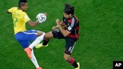 7月8日,巴西惨遭德国对淘汰,失去争夺冠亚军的资格