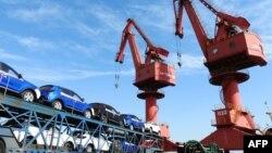 资料照:中国江苏省连云港汽车进出口口岸