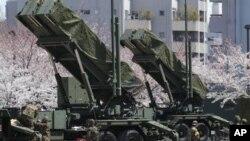 Pasukan Bela Diri Jepang menyiapkan pencegat misil 'Patriot' untuk mengantisipasi peluncuran roket Korea Utara (foto: dok). AS akan memperluas pertahanan anti misil di Asia.