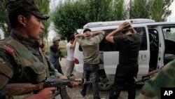 د قرغزستان وضیعت تر ټولو زیات د روسیې د اندیښنې وړ دی چې وایي د داعش جنگیالي د مهاجرو گارکرو په بڼه د مرکزي آسیا له لارې روسیې ته داخلیږي.