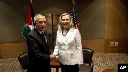 Filistin Başbakanı Salam Fayyad ve ABD Dışişleri Bakanı Hillary Clinton Kudüs'te görüşürken