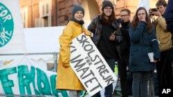 Greta Tunberg na klimatskom maršu u Torinu u Italiji, 13. decembra 2019.