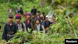 Nhiều người Thượng từ Tây Nguyên Việt Nam đã tìm cách vượt biên sang Campuchia để xin tị nạn.