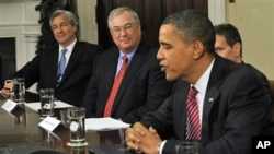 President Barack Obama meets with members of the financial industry in the Roosevelt Room of the White House, 14 Dec 2009