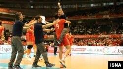 شادی لوزانو سرمربی ایتالیایی تیم ملی ایران پس از برد مقابل چین