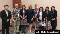 美国国务院东亚及太平洋事务局2018年9月6日发表的美台APEC互动照片