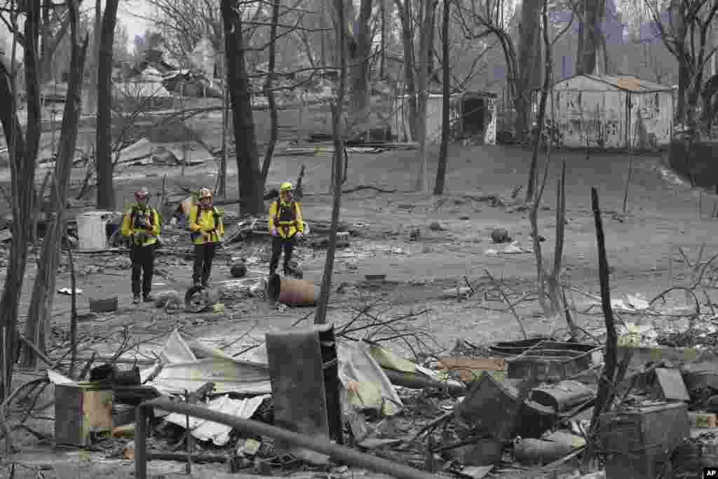 عوارض آتش سوزی در حاشیه شهر «سن برناردینو» در نزدیکی لس آنجلس در غرب آمریکا.