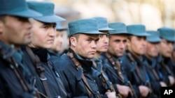 کمبود تجهیزات نظامی پولیس