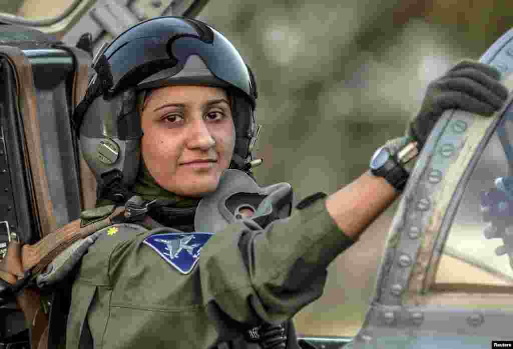 26 سالہ عائشہ کا تعلق جنوبی پنجاب کے تاریخی شہر بہاولپور سے ہے۔
