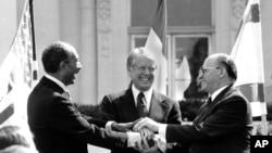 رهبران مصر و اسرائيل با مدد نهمین رییس جمهوری آمریکا، جيمی کارتر، در سال ۱۹۷۸ با امضای قراردادی بين دو کشور صلح برقرار کردند.