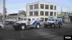 Полиция заблокировала въезд в район Эребуни. Ереван, Армения. 17 июля 2016 г.