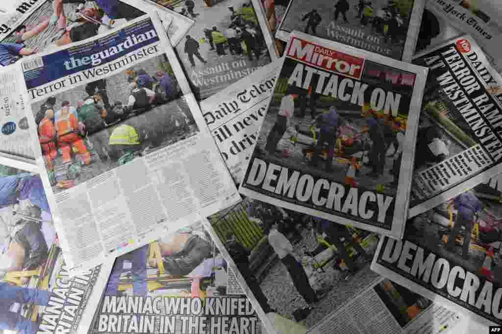 Британские газеты с сообщениями о теракте.