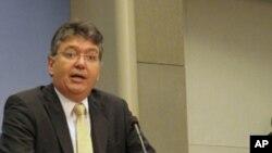 卡德纳认为中国与拉美进出口商品不平衡