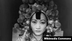 Anna May Wong sebagai Turandot, 1937.