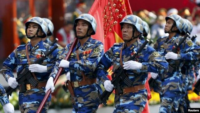 Chính quyền Hà Nội tiếp tục gia tăng chi tiêu quân sự với mức tăng 9,6% trong năm 2014, lên 4,3 tỷ đôla, trong bối cảnh căng thẳng ở biển Đông chưa có dấu hiệu hạ nhiệt.