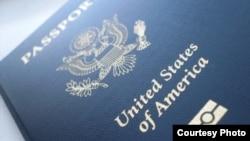Hộ chiếu Hoa Kỳ (Photo by Lena LeRay via Flickr)