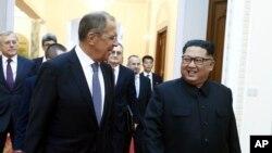 俄羅斯外長拉夫羅夫在平壤會晤北韓領導人金正恩。(2018年5月31日)