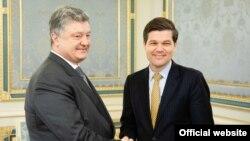 Президент України Петро Порошенко за Весс Мітчелл.