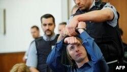 Le suspect Sergei W est accusé d'avoir mené l'attentat sur l'équipe de football de Dortmund, le 21 décembre 2017, devant les juges.