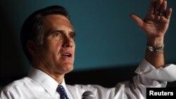 Ocho de cada 10 encuestados dijeron que no les concierne o que no les importa la fe religiosa de Romney.