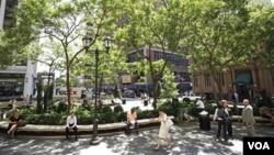 La causa de la muerte de Descoings, en Manhattan, aún no fue determinada, mientras se esperan los análisis forenses.