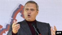 Михаил Касьянов на митинге против коррупции (Москва, 2010 г.)