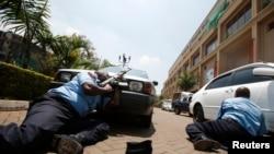 Polisi wa Kenya wakiwa Westgate Mall