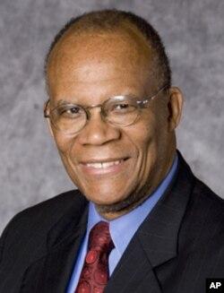 马里兰州大学法学院教授拉里•吉布森