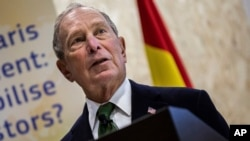 Kandidat Capres AS dari Partai Demokrat, Michael Bloomberg menghadiri KTT COP25 di Madrid, 10 Desember 2019. (AP Photo/Bernat Armangue)