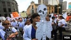 El gobierno de Venezuela anunció un aumento general de sueldo para el sector público del 45%.