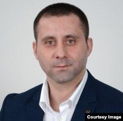 Vlade Simović, vanredni profesor Fakulteta političkih nauka Banja Luka