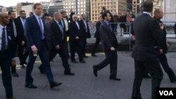 2015年 1月14日伊朗外长穆罕默德·贾瓦德·扎里夫和约翰·克里日内瓦街头友好散步
