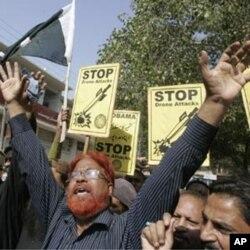 مبینہ امریکی ڈرون حلموں کے خلاف پاکستان کے مختلف شہروں میں احتجاجی مظاہرے کیے جا چکے ہیں۔