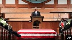 អតីតប្រធានាធិបតីលោក Barack Obama ថ្លែងនៅពិធីបុណ្យសពលោក John Lewis អ្នកតំណាងរាស្ត្រដែលជានិមិត្តរូបនៃសិទ្ធិពលរដ្ឋរបស់សហរដ្ឋអាមេរិក នៅវិហារគ្រិស្តសាសនា Ebenezer Baptist Church ក្នុងក្រុង Atlanta កាលពីថ្ងៃទី២០ ខែកក្កដា ឆ្នាំ២០២០។