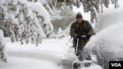 Las corrientes frías generaron tormentas de nieve y extendieron la temporada de tornados.