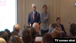 """Predsednik Kosova Hašim Tači na predstavljanju izveštaja """"Percepcija javnog mnjenja o radu i mandatu Specijalnog suda za Kosovo"""", 9. oktobar 2017."""