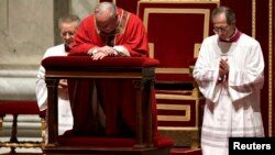 El nuevo Pontífice simplificó y redujo el tiempo de muchas de las liturgias tradicionales de Semana Santa.