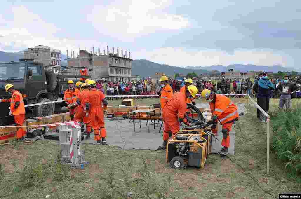 نیپال میں گزشتہ ہفتے آنے والے 7.8 شدت کے شدید زلزلے کے بعد پاکستان نے امدادی ٹیمیں نیپال بھیجی تھی۔
