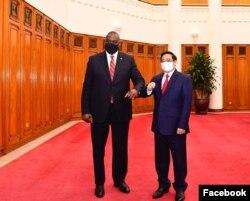 Ông Lloyd Austin hội kiến Thủ tướng Phạm Minh Chính. Photo US Embassy Hanoi.